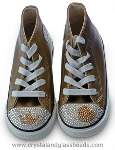 How to Crystallize a Swarovski Heart on Converse Trainers. A Step by step tutorial showing how to bling up a pair of Converse trainers with a Heart in Swarovski Flatback Crystals.