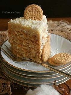 Custard and Coconut Cookie Cake - Banana French Toast, Coconut Cookies, Sweet And Salty, Vegan Desserts, Yummy Cakes, Vanilla Cake, Sweet Recipes, Delish, Bakery