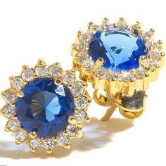 Compra aqui: www.sophiejuliete.com.br/estilista/nandabordon Brinco classic antique blue banhado a ouro cravejado de zirconias