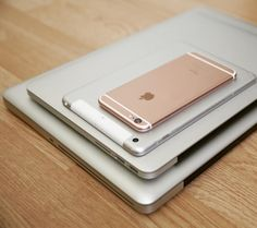 Rose Gold Accessories, Laptop Accessories, High Tech Gadgets, Cool Gadgets, Cool Technology, Technology Gadgets, Tumblr Iphone, Ipad Mini 3, Tech Gifts