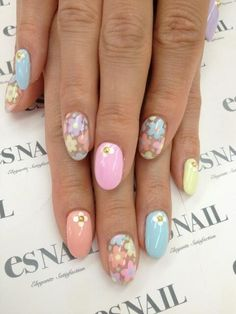 Nails, Nail Art, Nail Design, esNAIL, Japanese Nail Art, Oval Nails, Floral, Flowers, Blue, Light Blue, Baby Blue, Sky Blue, Pink, Light Pink, Yellow, Pastels, Peach, Purple, Rhinestones, Daisies, Dotting, Spring, Easter