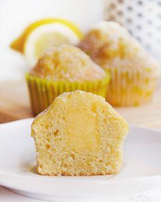 Lemon Curd Dessert, Lemon Curd Cake, Vanilla Cake, Pastry Recipes, Cooking Recipes, Lemon Muffins, Biscuits, Mini Cakes, Deserts