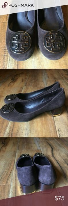 Tory Burch shoes size 7.5 Classic suede shoes in brown. With wood grain heel and gold trim around the bottom of the heell. Very sophisticated. And good condition. Originally cost $275. Tory Burch Shoes Heels