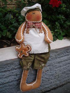 Gingerbread Man Decorations, Gingerbread Crafts, Christmas Gingerbread, Christmas Wood, Christmas Items, All Things Christmas, Christmas Holidays, Christmas Decorations, Christmas Ornaments
