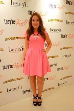 Tanya Burr - love this girl Casual Dresses, Casual Outfits, Women's Dresses, Tanya Burr, Duchess Kate, Grace Kelly, Classy And Fabulous, Kate Middleton, Beyonce