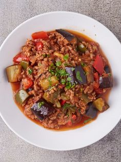 Evoke your taste buds with this colourful and flavour-rich Moussaka casserole recipe! Moussaka is layered eggplant and meat casserole, a popular dish served throughou Dehydrated Backpacking Meals, Backpacking Food, Camping Meals, Ultralight Backpacking, Paleo Recipes, Dinner Recipes, Meal Recipes, Hiking Food, Hiking Tips