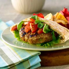 All-Bran™ Zesty Chicken Burgers Recipe - Flavoured with horseradish and a little hot sauce, these burgers have a little zing. Hot Pepper Sauce, Hot Sauce, Chicken Flatbread, All Bran, Cooking Recipes, Healthy Recipes, Healthy Meals, Burger Recipes, Stuffed Hot Peppers