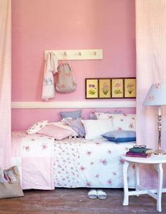 girls bedroom-pink walls
