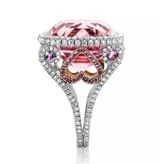 Detailed Diamondsetting on this one of a kind Morganite ( hot pink ) ring ...