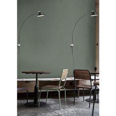 Applique déportée Flex LED en acier et carbone par Seyvaa Le Tube, Lumiere Led, Led Floor Lamp, Luminaire Design, White Marble, Canopy, Wall Mount, Diffuser, Flooring