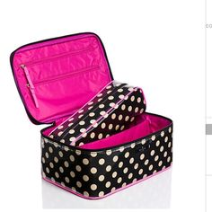"""Kate Spade Rose Avenue Large Colin travel case Your morning routine just got even prettier with this Kate Spade Rose Avenue Large Colin travel case. Black and white printed poplin with PVC covering for easy cleaning. Smooth leather trim. Zip around closure. Bright fuschia wipeable interior. Zip around cosmetic case included. Size measurements:  5.9"""" h x 10.9"""" w x 7"""" d. Great gift idea for the upcoming HolidaysNWT, never used. kate spade Bags Cosmetic Bags & Cases"""