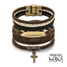 Combo de hoje, pra você aproveitar o feriado prolongado cheio de estilo é o Combo Creed. . São 3 pulseiras em tons terrosos pra combinar com qualquer produção. . Acesse o site e garanta o seu combo. . www.dracma.com.br . EXPERIMENTE, OUSE, USE DRACMA! . #dracma #dracmapormion #marcosmion #pulseiras #pulseirasmasculinas #colares #colaresmasculinos #menstyle #menswear #modamasculina #modaparahomens #multimarcas #revenda