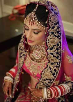 15 Best Bridal Makeup Artists in Delhi - Most Famous In 2019 Freelance Makeup Artist, Professional Makeup Artist, Best Bridal Makeup, Makeup Needs, London College Of Fashion, Braut Make-up, Bride Look, Makeup Artists, Flawless Skin