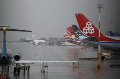 Trece aeropuertos del país, cerrados durante la mañana por mal clima - El Colombiano