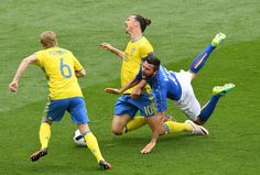 Zlatan Ibrahimovic of Sweden and Andrea Barzagli of Italy are involved in an incodent insdie the penalty area during the UEFA EURO 2016 Group E match between Italy and Sweden at Stadium Municipal on June 17, 2016 in Toulouse, France.