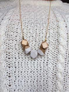 Sautoir-collier géométrique blanc et doré : Collier par poptimistic