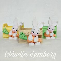 Clay Jar, Polymer Clay Animals, Polymer Clay Miniatures, Clay Design, Pasta Flexible, Cold Porcelain, Easter Baskets, Creative Crafts, Clay Crafts