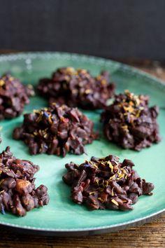 rocas de chocolate con nueces y frutas secas