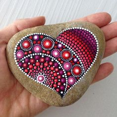 Dot Art Painted Stones The art of mandala stone doting is a great way to enjoy your crafting. Here is a list of pictures of beautiful mandala stone doting ideas. Stone Art Painting, Dot Art Painting, Mandala Painting, Pebble Painting, Mandela Rock Painting, Watercolor Mandala, Heart Painting, Watercolor Ideas, Pebble Art