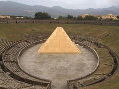 Una piramide per la notte di Pompei - Cultura - ANSA.it