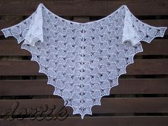 Ravelry: Project Gallery for Wings of the Dove / Крылья голубки pattern by Yulia Zakhlebina