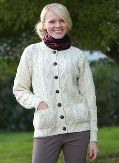 Aran Knitting Patterns To Download : 1000+ images about Knitting Ideas on Pinterest Knits, Free pattern and Ravelry