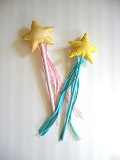 My princesses needs a wand..    This looks simple to make and fun for any kid.  Great no sew cape on this blog too!!  Some great diy costume ideas!
