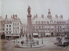 Bienvenue Grand'Place de Lille près de 150 ans en arrière, exactement en 1870 !  ♡ la page Lille Ma Ville https://www.facebook.com/lillemaville.lille