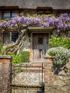 """Old Place"" Cottage in Amberley - West Sussex, ENGLAND ❦"