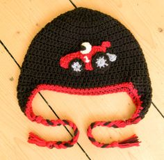 Crochet Toddler or Baby Racing Car Hat in Black and Red Kid Essentials, Funny Baby Quotes, Crochet Toddler, Best Kids Toys, Kid Rock, Cute Hats, Funny Babies, Baby Hats, Cool Toys