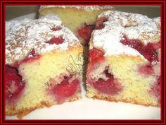 Kouzelná vařečka: Jahodová bublanina Slovak Recipes, Czech Recipes, Healthy Dessert Recipes, Baking Recipes, Czech Desserts, Feta, Desert Recipes, Food Design, Vanilla Cake