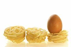 Eier im Nudelteig sichern die Festigkeit und sollten für Ravioli und Tortellini definitiv verwendet werden. ✔ TOP Rezept ✔ Pasta selbermachen