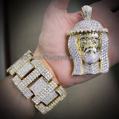 GOLDEN SUN JEWELRY: Step your game up. Russian cut diamond bracelet and large Jesus head in 14kt. Yellow Gold. @goldensunjewelry #goldensunjewelry #jesuspiece #jesus #gold #yellowgold #russiancut #diamondbracelet #diamonds #fashion #fashionista #flawless #designer #certified #jewelry #kilogang #bling #bespoke #couture #wshh #niketalk #pendant #bracelet #clean #hiphop