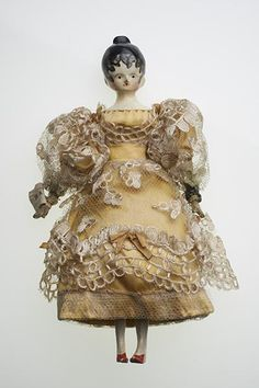 """""""Lady Maria Arnold"""", one of Queen Victoria's childhood dolls (1831-33)~Image © Museum of London."""