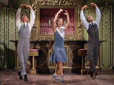 When I think of style, I think of the MGM Movie Musical.  SINGIN' IN THE RAIN happens to the BEST!