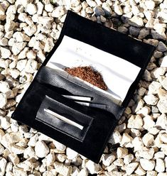 Rolling cigarette case Magnetic tobacco pouch Leather