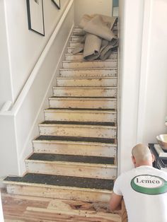 New Pics Carpet Stairs update Suggestions One of the fastest approaches to revamp your tired old staircase is to cover it with carpet. Style Blog, Ikea Jute Rug, Patterned Stair Carpet, Seagrass Carpet, St Anton, Stanton Carpet, Entry Stairs, Painted Stairs, Shag Carpet
