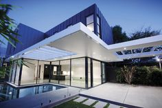 Modern Home. Clean and Transparent Modern House in Australia: Transparent House With Black Framework ~ Slim 69