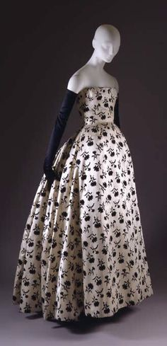 """Odette"" Christian Dior Fall 1953. The Met"