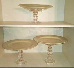 Alquiler platones antiguos con pie de vidrio