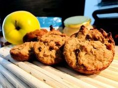 Vánoční štrúdlové muffiny bez mouky Clean Eating, Cookies, Breakfast, Ethnic Recipes, Desserts, Food, Cupcakes, Gardening, Slim