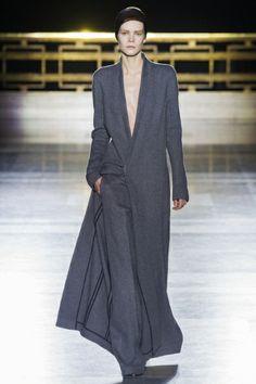 Sfilata Haider Ackermann Paris - Collezioni Autunno Inverno 2014-15 - Vogue