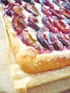 Oh how nice: a plum cake - Backen - Kuchen Delicious Cake Recipes, Yummy Cakes, Vegetarian Ketogenic Diet, Un Cake, Gateaux Cake, Food Cakes, Hot Dog Buns, Nutella, Food And Drink