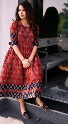 Long Dress Design, Dress Neck Designs, Stylish Dress Designs, Designs For Dresses, Stylish Kurtis Design, Dress Indian Style, Indian Fashion Dresses, Indian Designer Outfits, Long Gown Dress