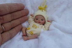 Barbie Kids, Baby Barbie, Cute Baby Dolls, Newborn Baby Dolls, Gold Kindergarten, Mini Bebidas, Real Looking Baby Dolls, Baby Boys, Baby Doll Nursery