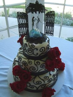 Cakey Art: nightmare before christmas wedding cake. Uh yes please! Get in me!!