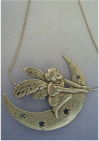 talismanes amuletos y símbolos   colgante duende de la luna