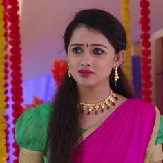 Cute Beauty, Beauty Full Girl, Most Beautiful Indian Actress, Indian Sarees, Indian Actresses, Desi, Bridal, Telugu, Hair Styles