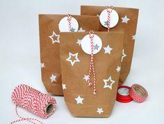 Geschenkverpackung Sterne // gift wrapping stars by Fräulein Frohgemut via DaWanda.com