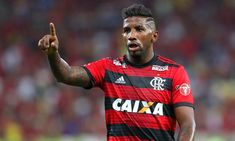 Grande clube brasileiro demonstra interesse no lateral Rodinei 05f5a0d173975